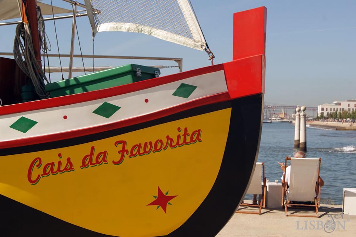 Traditional Boats of the Tagus River - Cais da Favorita