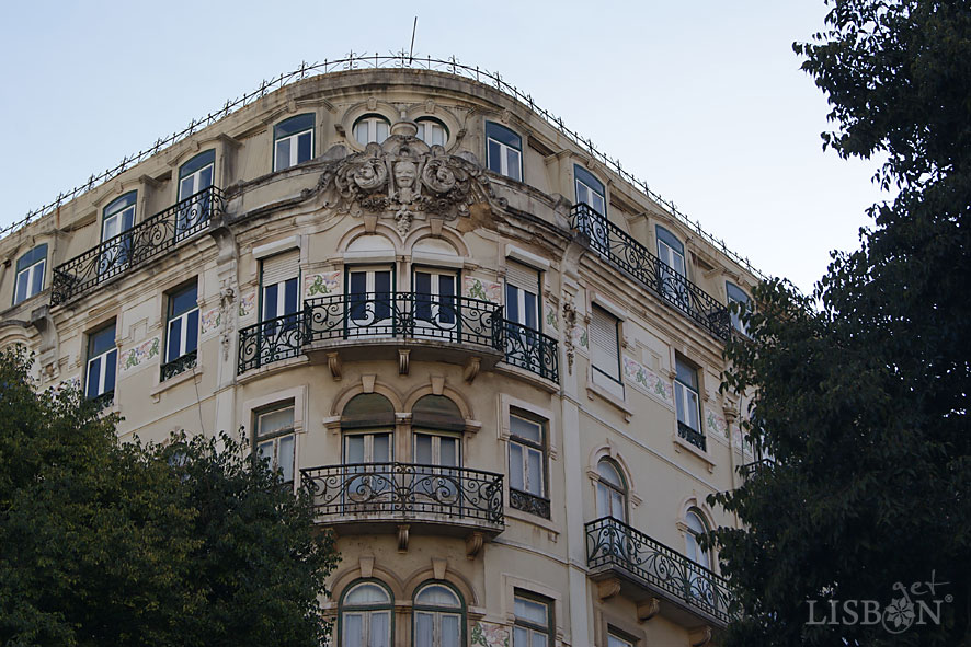 Eclectic taste building, 19th century