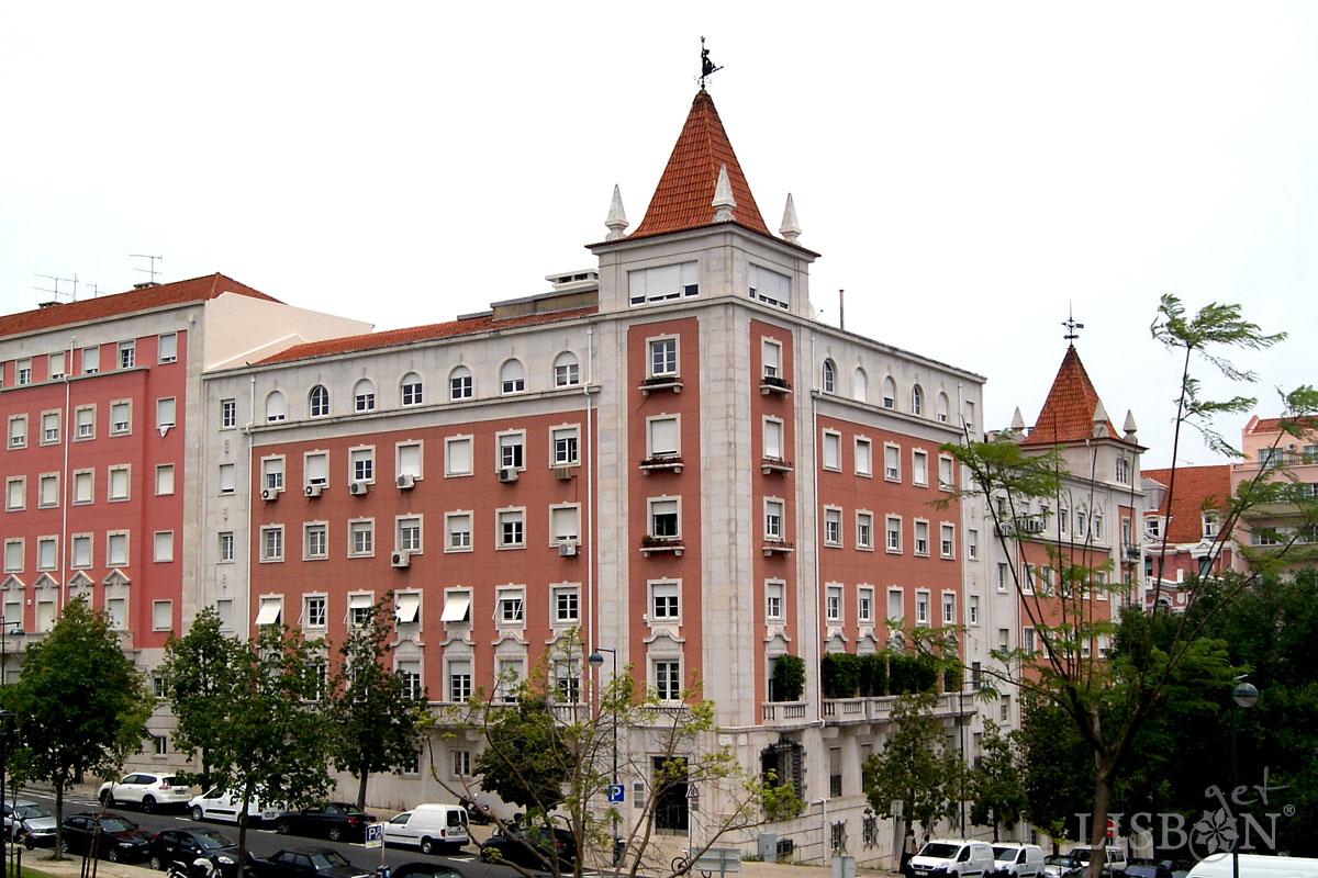 "Modernist building ""Português Suave"", 19th century"