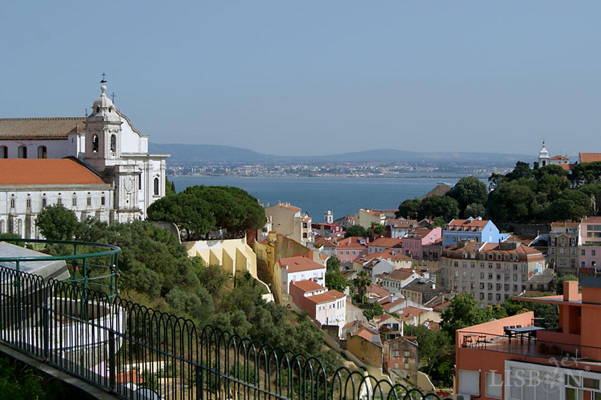 Convento da Graça, vista do Miradouro da Senhora do Monte