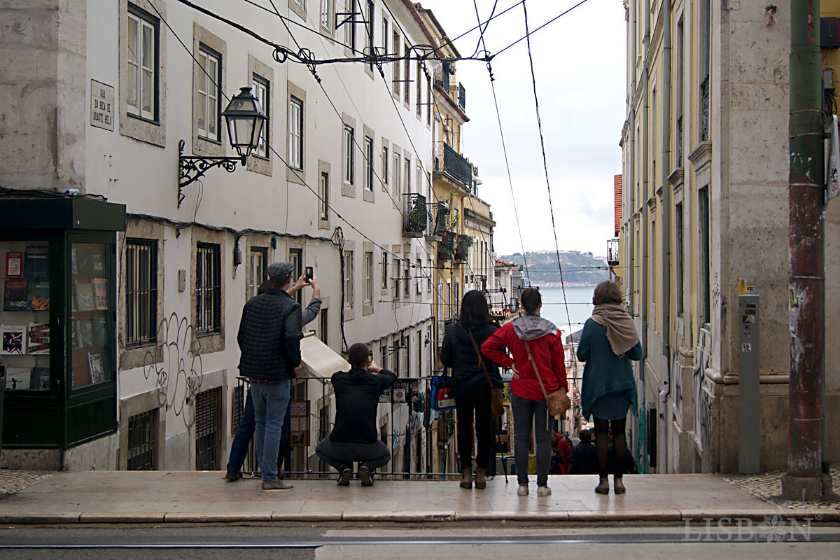 Lisbon in Time Lapse: Bica Funicular