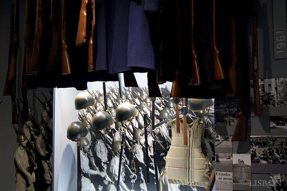 Set of GNR's war equipment and uniform