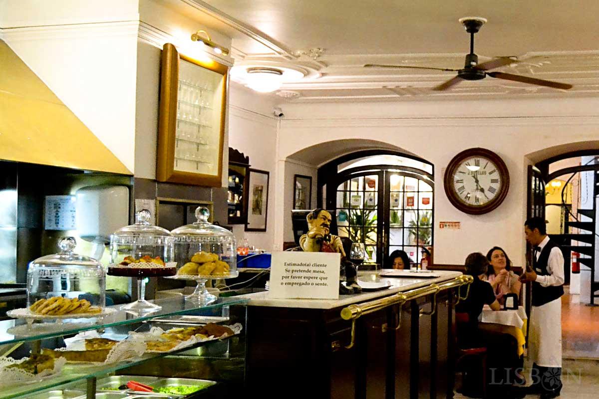 Tea room of the Pastelaria Benard