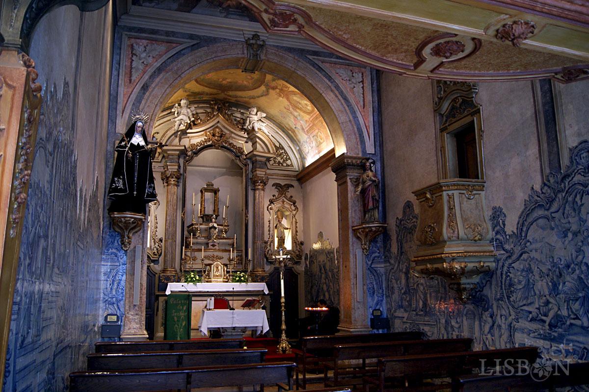Interior of the Nossa Senhora da Oliveira Church