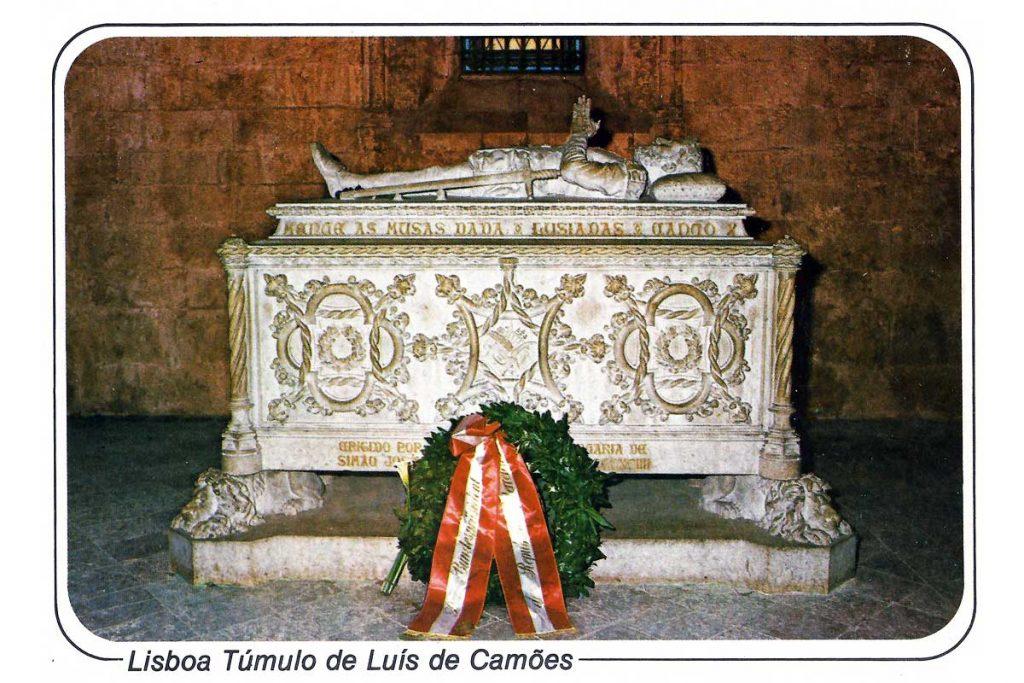 Bilhete Postal que ilustra o túmulo de Camões, anos 80.