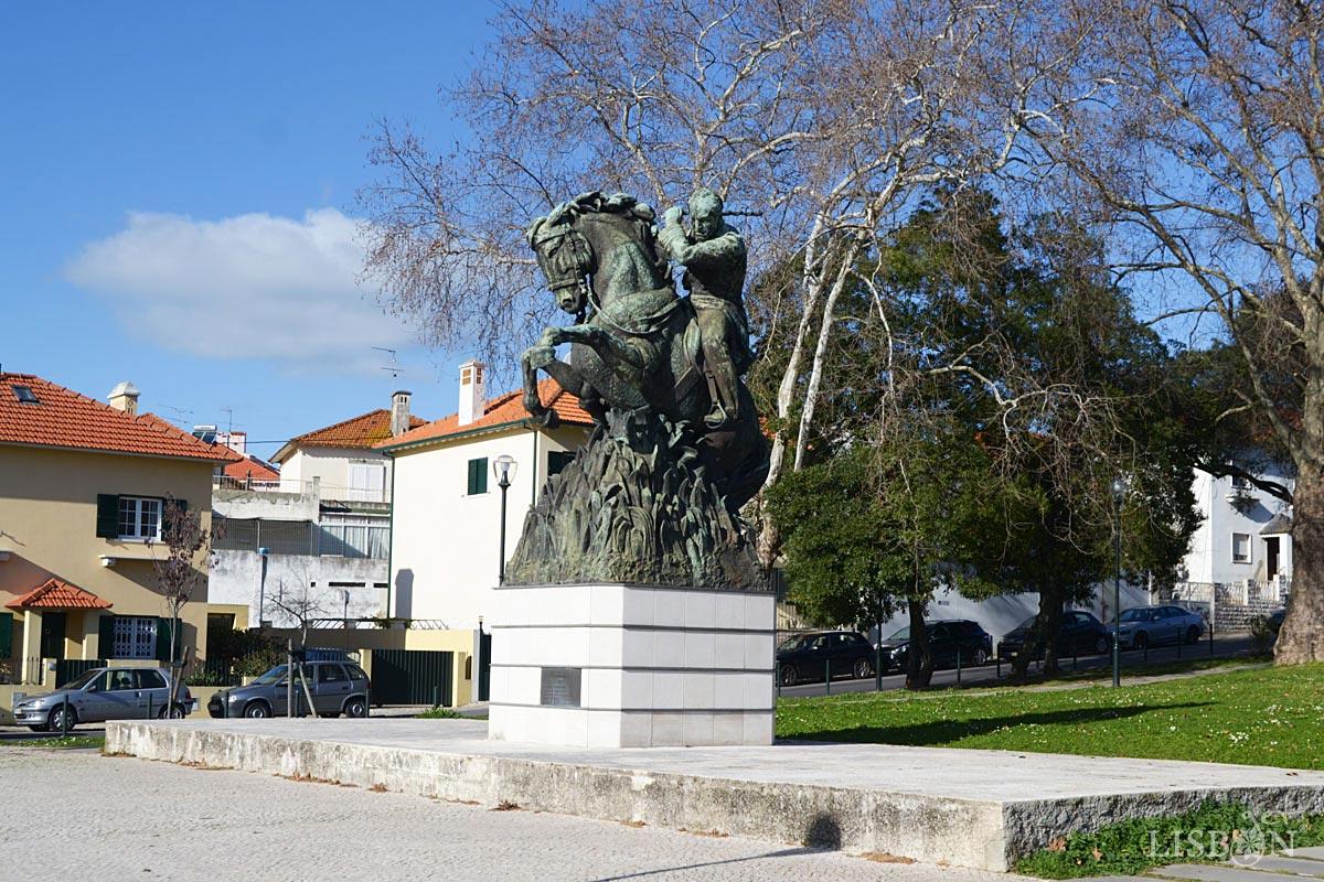 Estátua Ferreira do Amaral, no Bairro da Encarnação, Lisboa