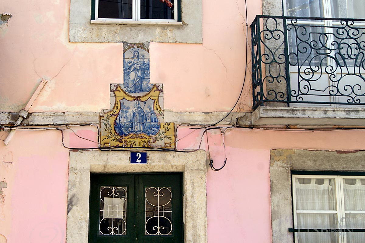 Tilework panels with saints in Rua da Bica de Duarte Belo, Lisboa