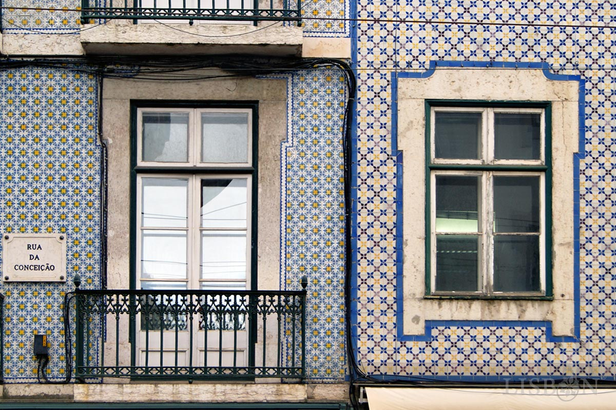 Fachadas pombalinas, posteriormente, revestidas a azulejo, Lisboa