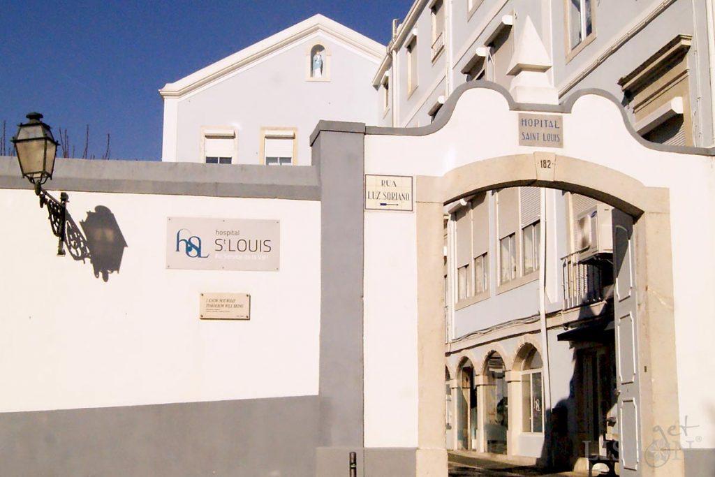 In the Rua Luz Soriano is the Saint Louis Hospital, place where the famous poet Fernando Pessoa (Lisbon 1888 – Lisbon 1935)