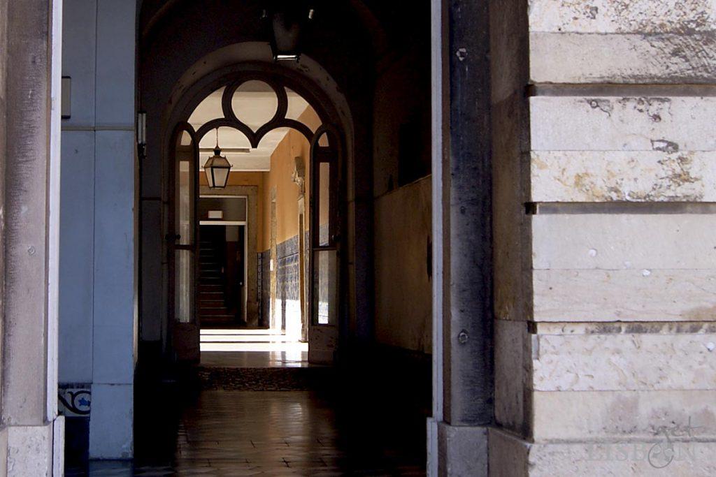Corredor de acesso ao Claustro e ao Salão Nobre do Hospital dos Capuchos