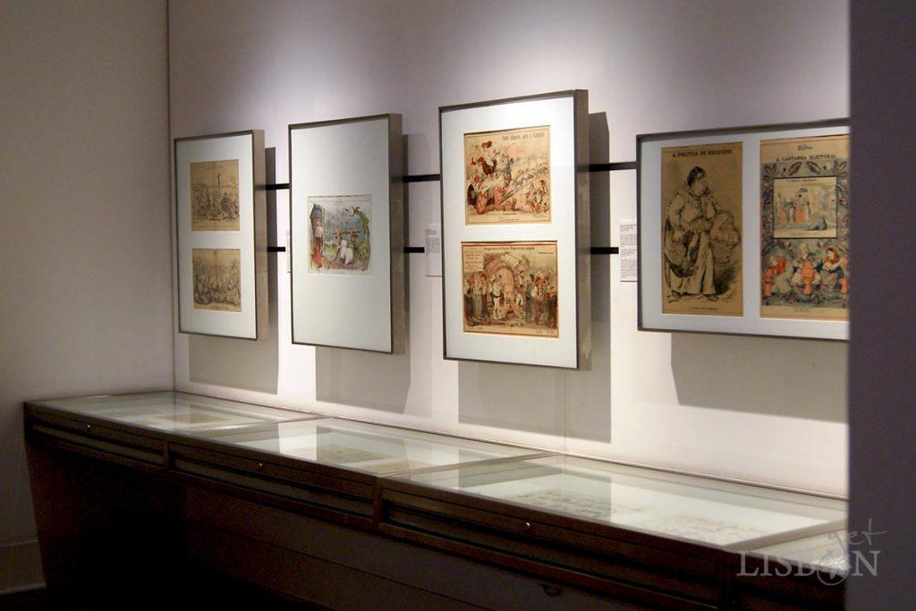 Sala de exposição de desenhos do Museu Bordalo Pinheiro