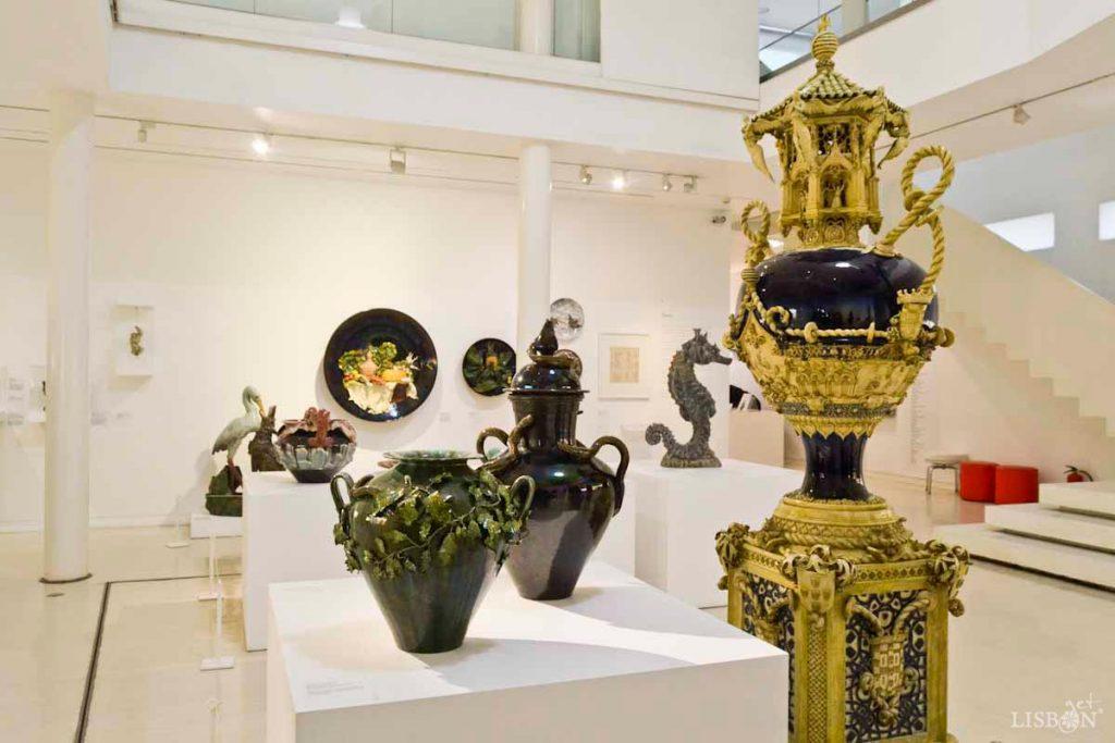 """Vista da sala de exposições temporárias - """"Exposição Formas do Desejo"""""""