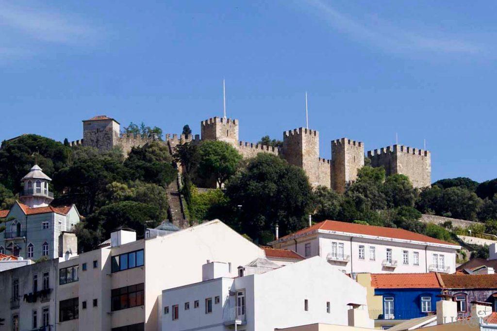 O Castelo de São Jorge hoje, resultado de profunda intervenção da DGEMN entre 1938 e 1940