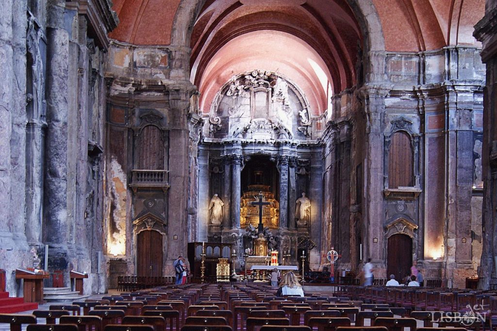 Interior da Igreja de São Domingos, após violento incêndio em 1959 foi restaurada nos anos 90 do séc. XX