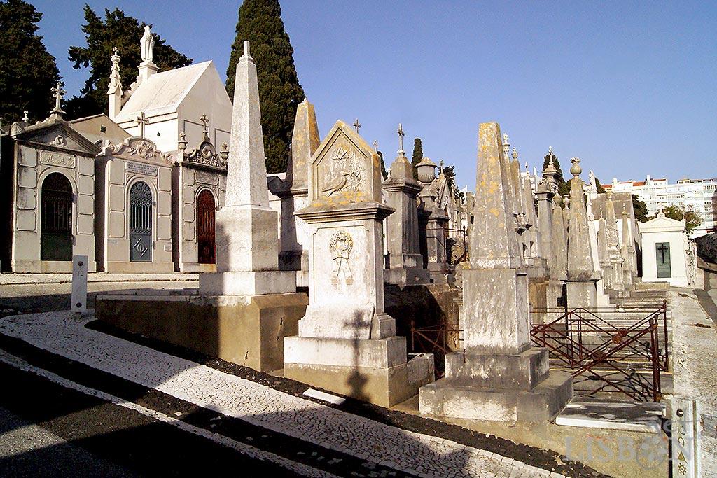 The tomb of Sarah Mattos in Prazeres Cemetery