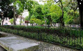 Lisboa Tem Poesia em Bancos de Jardim