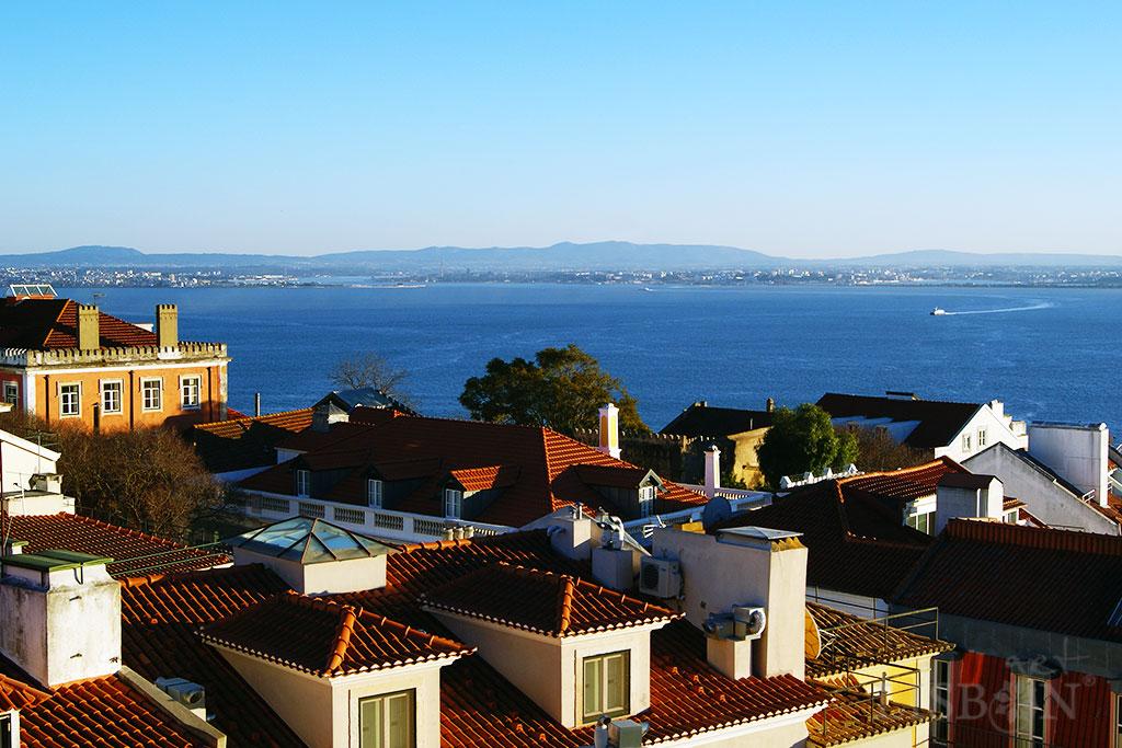 View of Mar da Palha and Arrábida Mountain Range from the São Jorge Castle