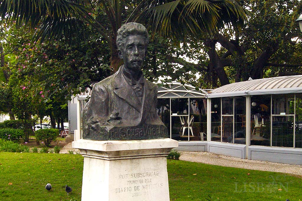 Bust of Sousa Viterbo by the sculptor Francisco dos Santos in Príncipe Real Garden. Shortly after his death, the future President of the Republic Bernardino Machado and the politician Abel Botelho presented to the senate of the Republic a proposal for a bronze bust of Sousa Viterbo financed by the State. The project was declined and so the newspaper Diário de Notícias released a compilation of texts of their illustrious collaborator in the form of a book in order to raise funds for this project.
