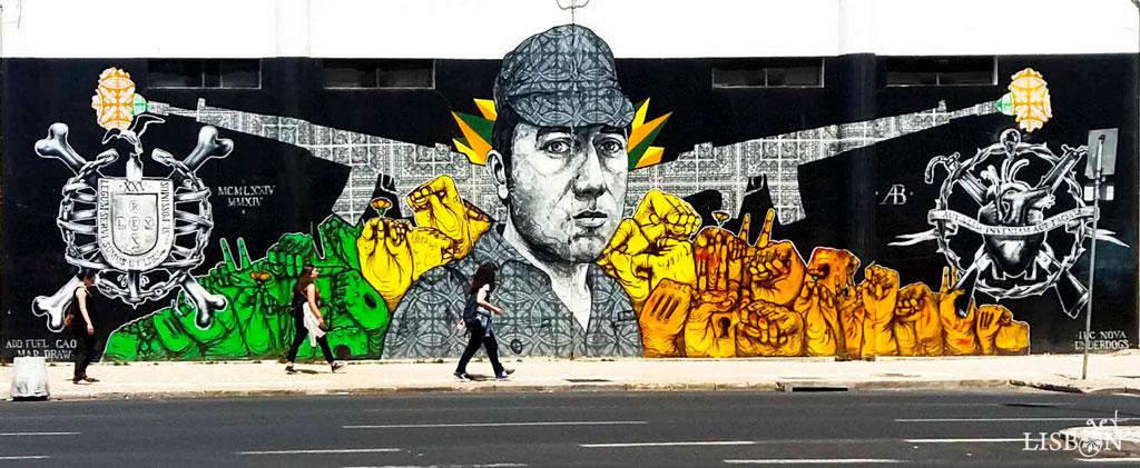 Capitão Salgueiro Maia é o protagonista do mural que pode ser visto no exterior da Faculdade de Ciências Sociais e Humanas da Universidade Nova de Lisboa, na Av. de Berna.