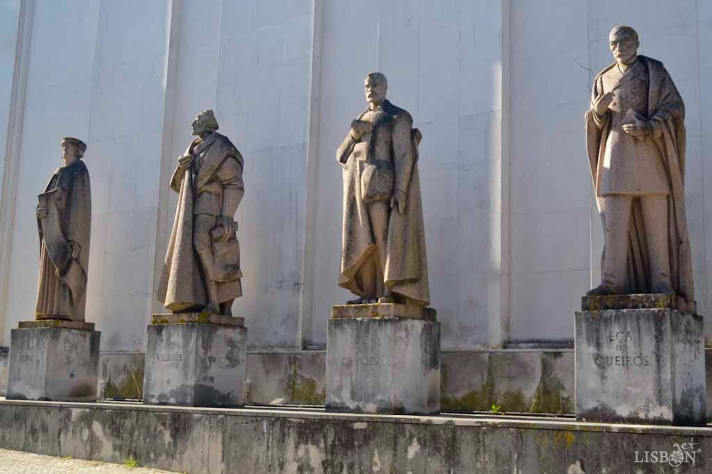 Statues of Fernão Lopes, Gil Vicente, Luís de Camões and Eça de Queiroz at the National Library of Portugal