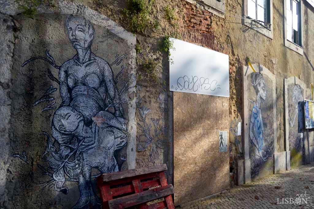 Causas e Manifestos em Arte Urbana: Trata-se de um trabalho, de 2014, dos criadores Fidel Évora e Tamara Alves dedicado às mulheres, em especial às sobreviventes de mutilação genital feminina. Encontra-se no Largo do Intendente.
