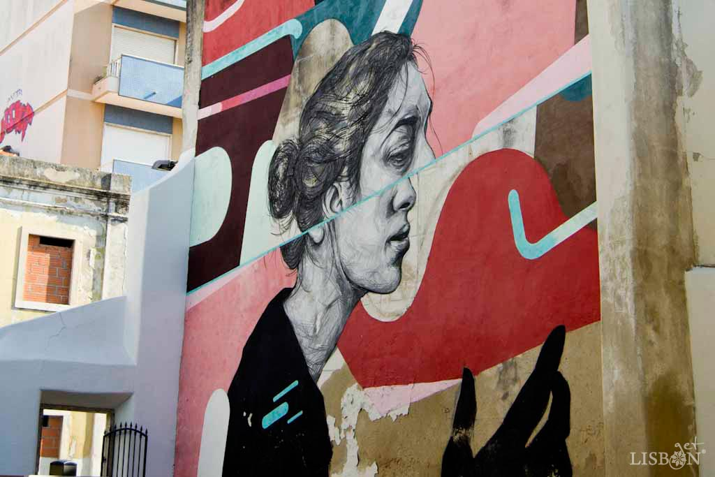"""Mural """"Introspecção"""", it was executed by Frederico Draw and Rodrigo Alma and can be seen in Rua Dona Estefânia."""